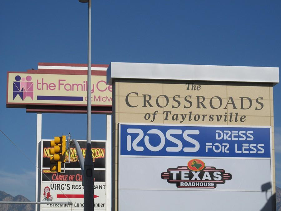 The+new+Taylorsville+Crossroads+marquis+was+recently+added+outside+of+Texas+Roadhouse.