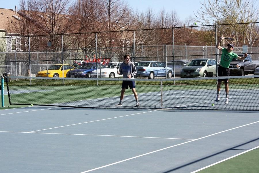 Boys' tennis team begins new season