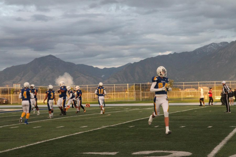 Taylorsville+football+deals+with+downhill+season